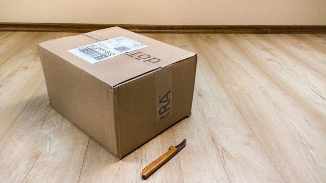 Pakowanie przesyłek w sklepie internetowym